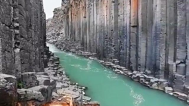 Manzarası ile büyüleyen Stuðlagil Kanyonu