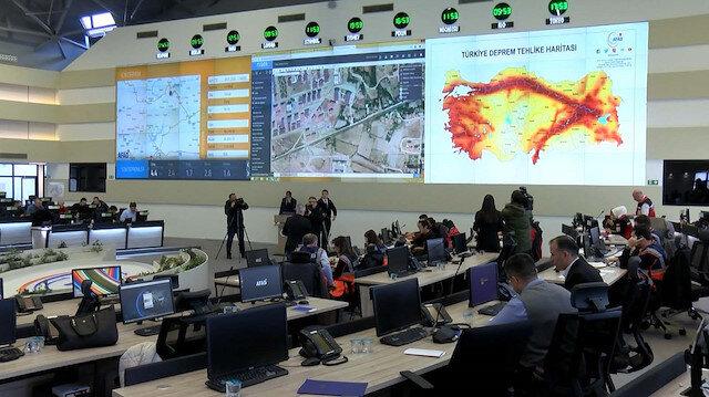 Deprem bölgesinde acil yardım malzemeleri drone'lar ile sevk edildi