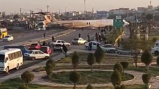 İran'da yolcu uçağı yola indi