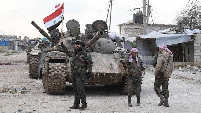 Esed güçleri İdlib'in yarıya yakınını ele geçirdi