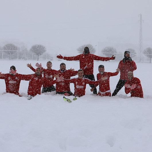Demir Grup Sivassporlu futbolcuların kar neşesi