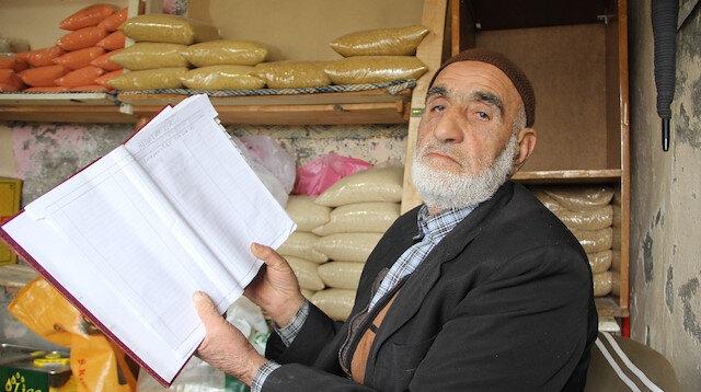 Gizemli hayırsever bu kez Diyarbakır'da ortaya çıktı: Bakkaldaki veresiye defterini kapattı