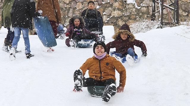 Birçok ilde eğitime kar molası: 27 ilde okullar tatil