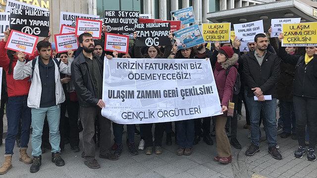 Üniversite öğrencileri İBB önünde ulaşım zamlarını protesto etti