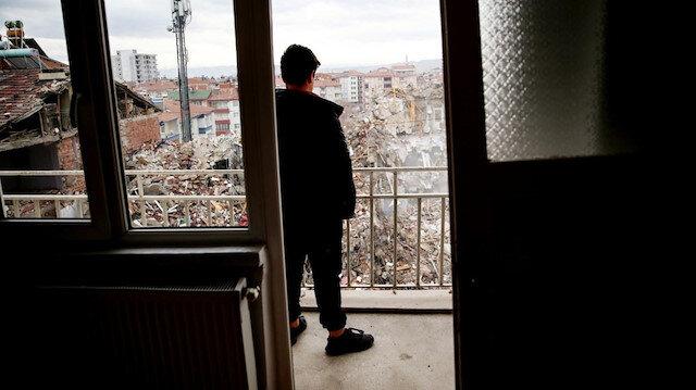 Depremler vatandaşı korkuttu: Yıllık 220 liraya evlerini garantiye alıyorlar