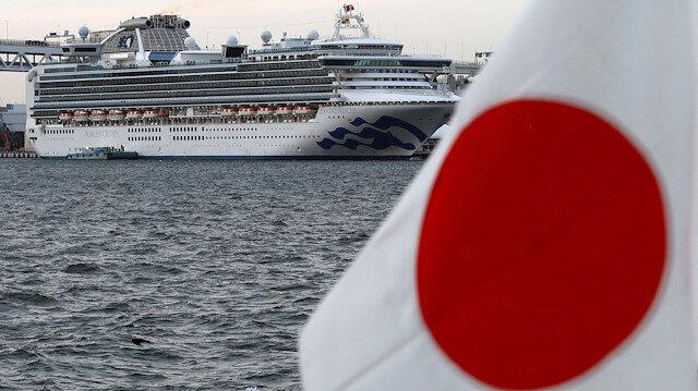 Yeni vaka sayısı 70 daha arttı: Japonya'daki karantina gemisinde salgın günden güne yayılıyor