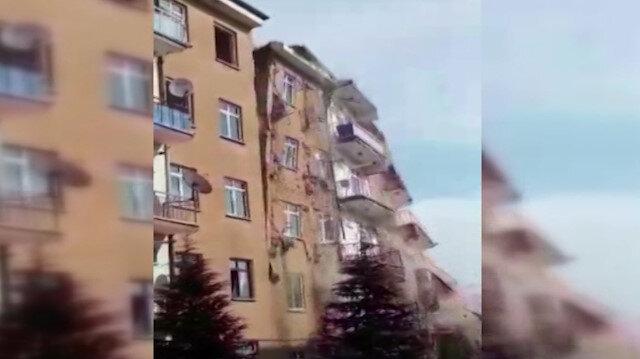 Elazığ'da meydana gelen 4,2'lik depremde hasarlı olduğu için boşaltılan bina çöktü