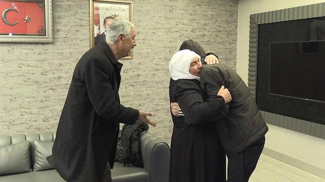 HDP önünde 'Evlat Nöbeti' tutan bir aile daha evladına kavuştu