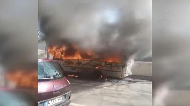 Ümraniye'de otobüsün alev alev yandığı anlar kamerada