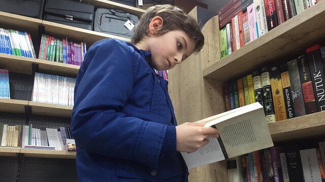Herkes onu konuşuyor: Filozof Atakan'dan 'kitap okuyun' tavsiyesi