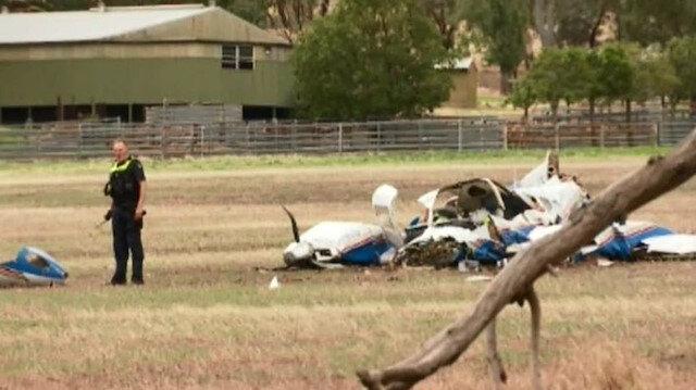 ✈️ İki uçak havada kafa kafaya çarpıştı: 4 kişi hayatını kaybetti