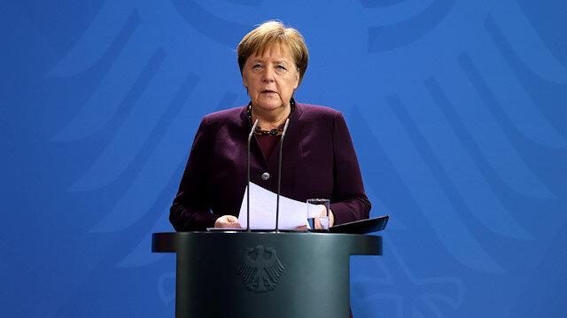 Almanya'daki ırkçı saldırı ile ilgili Merkel'den ilk açıklama