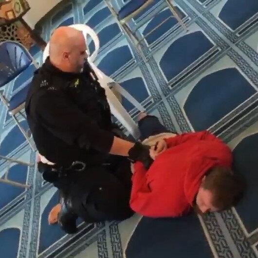 Londrada saldırgan camide namaz kılan müezzini bıçakladı