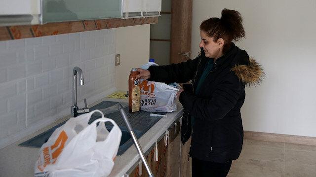 Elazığ'da depremzedeler evlerinin anahtarını almanın sevincini yaşadı