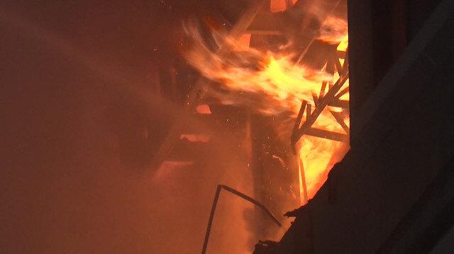 Bahçelievler'deki tekstil fabrikasında yangın