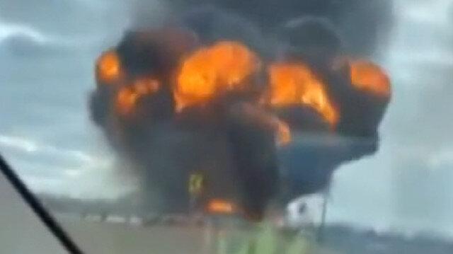 Jet yakıtı taşıyan tanker bomba gibi patladı