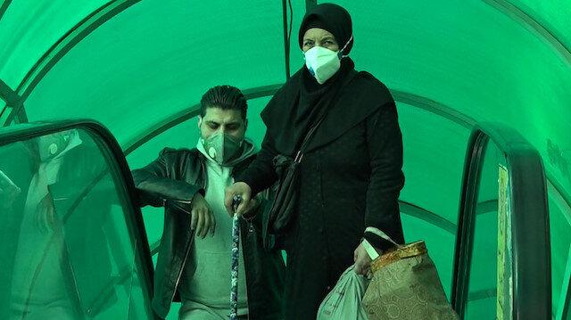 İran'da Covid-19 paniği: Maskeyle geziyorlar