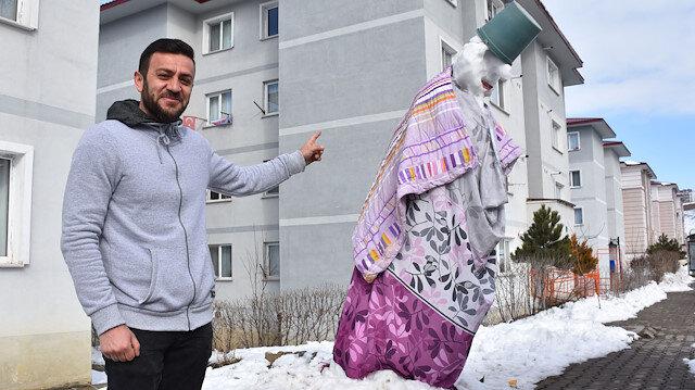 4 metrelik kardan adama 'Gulyabani' adını verdi