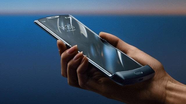 'Alo desin yeter' devri bitti: İlk cep telefonu görüşmesinin üzerinden 26 yıl geçti