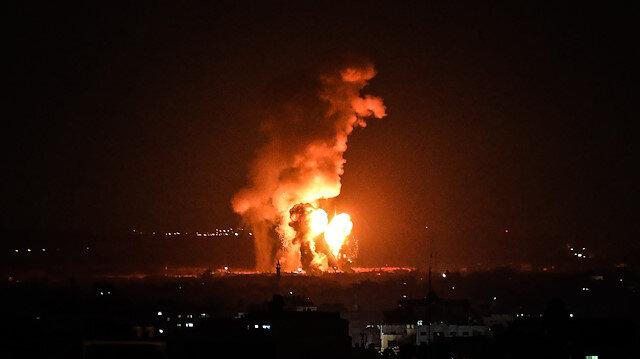 İşgalci İsrail Gazze'yi vurdu