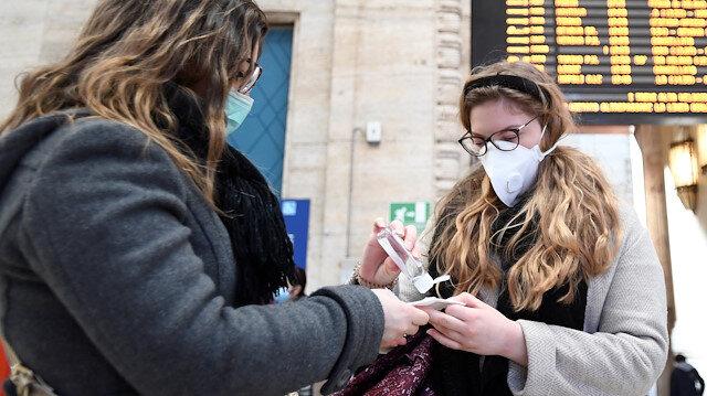 İngiltere'de toplu koronavirüs testleri yapılacak: Okullar kapatılabilir