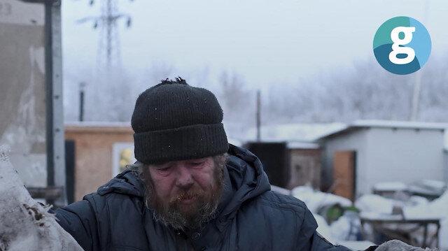 Sibirya'nın soğuğunda sokakta yaşam savaşı veriyorlar