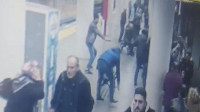 Metro istasyonunda polise saldırı kamerada