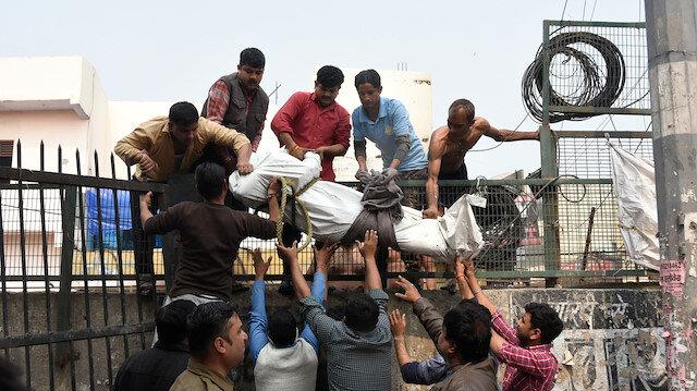 Vatandaşlık isteyen Müslümanlar Hindistan'da katlediliyor