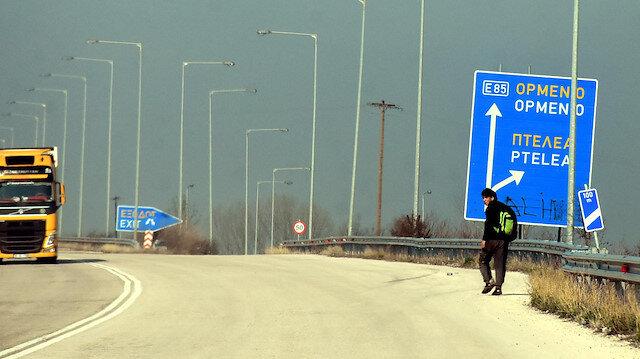 Sınırı geçen göçmenler, Yunanistan'ın iç kesimlerine ilerliyor