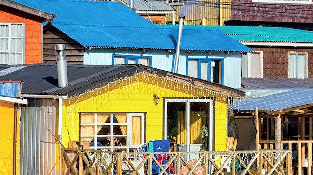 Su üzerine gökkuşağı: Palafito evleri