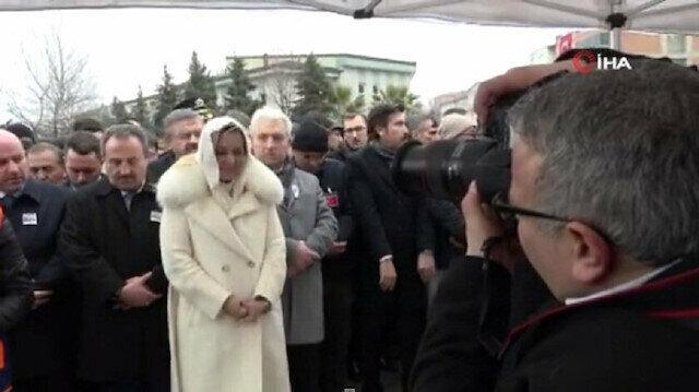 İYİ Partili Aylin Cesur şehit cenazesindeki skandal görüntüleri savundu: Edep de bilirim, töre de