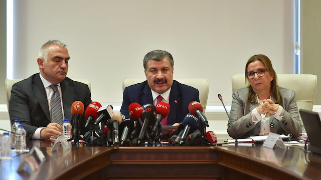3 bakandan koronavirüs toplantısı sonrası açıklama: Risk ciddi mücadelemiz ulusal