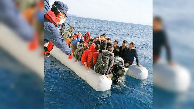 Yunan gönderiyor Türkiye kurtarıyor