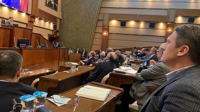 İmamoğlu İBB Meclisini toplamak istedi, AK Partili başkanlar korona önlemi kapsamında katılmadı