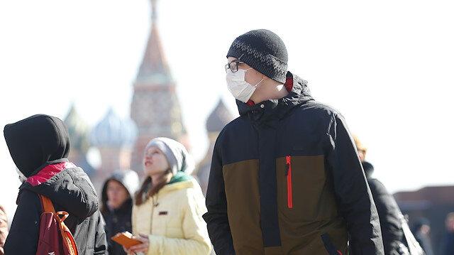Rus turistler koronavirüs nedeniyle farklı ülkelerde mahsur kaldı