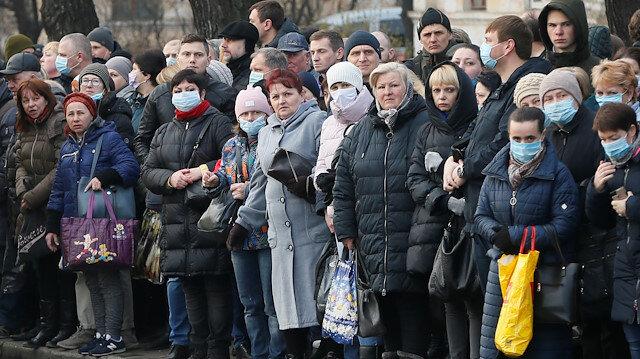 Ukrayna Devlet Başkanı Zelenskiy : Etleri çiğ yemeyin virüsten korunmak için babaanne yöntemlerinizi bir kenara bırakın