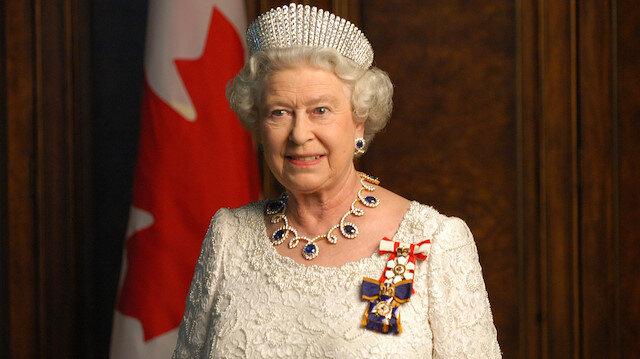 Kraliçe'nin koronavirüs korkusu: Windsor Kalesi'ne kapanacak