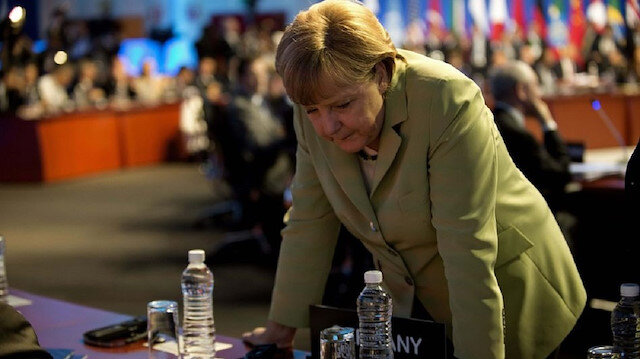 Almanya Başbakanı Merkel: Hastanelerimizin de kapasitesi aşırı derecede zorlanmaktadır
