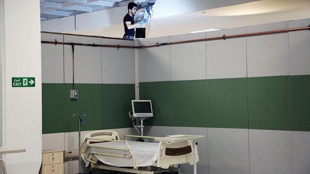 İran'da fuar ve spor salonları hastaneye dönüştürülüyor