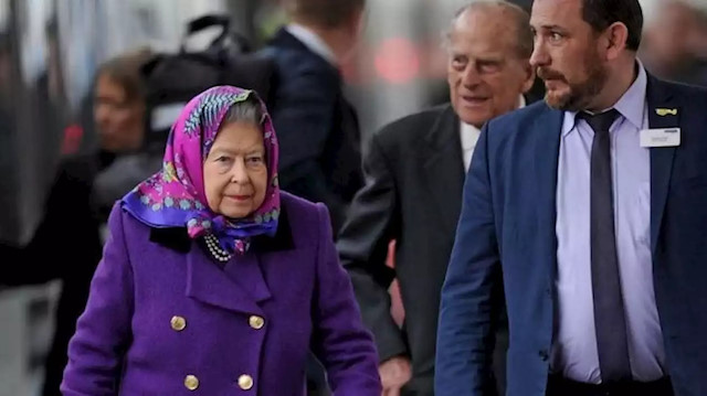 Sarayın bir çalışanında koronavirüs tespit edildi: Kraliçe Elizabeth'e yönelik salgın endişeleri arttı