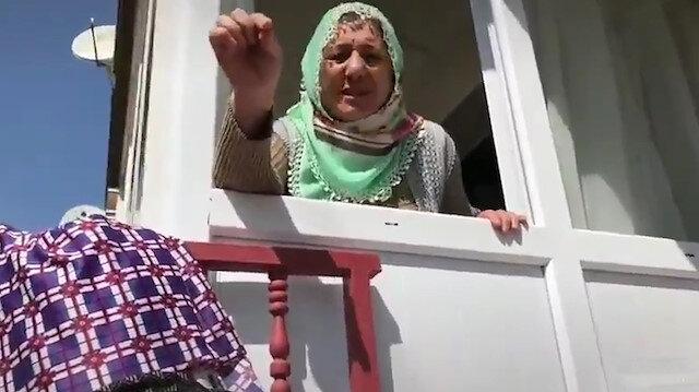 Koronavirüs nedeniyle evden çıkamayan yaşlı kadının oğlunu ikna çabaları izleyenleri güldürdü