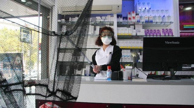 Koronavirüse karşı eczacıdan görülmemiş korunma yöntemi: 'Gayet iyi düşünmüşsünüz' diyenler var