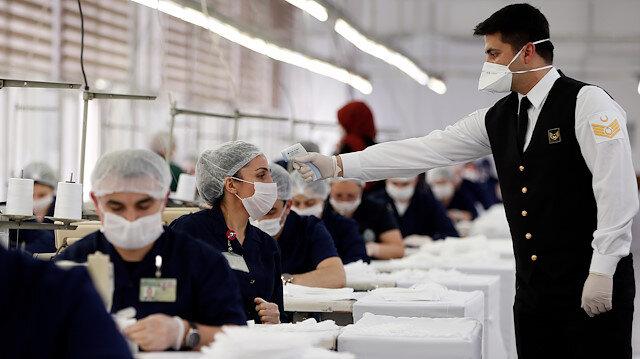 Akar talimat verdi: Bakanlığa bağlı fabrikalarda maske üretimi arttı
