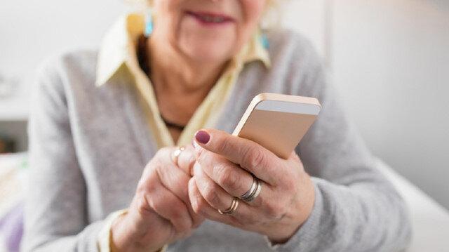 Yaşlıları evde tutmanın formülü: Sosyalleşme imkanı sağlayın