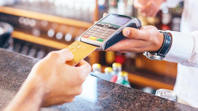 Kredi kartı faizleri düştü