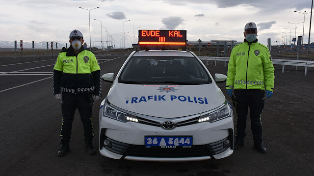 Trafik polislerinden vatandaşlara çağrı