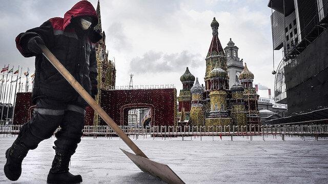Moskova'da koronavirüs salgını nedeniyle önlemler artıyor: Sokağa çıkma yasağı getirildi