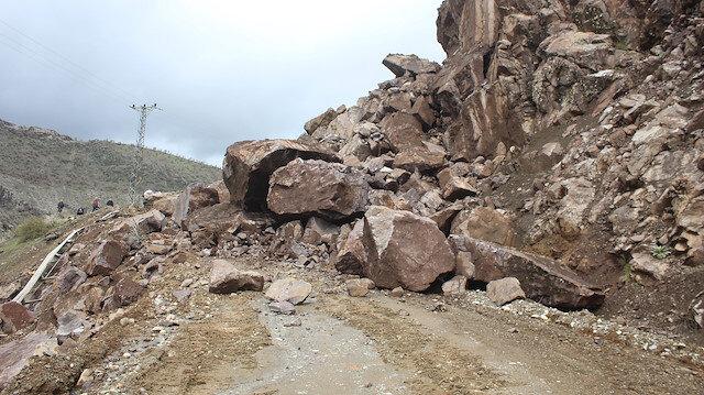 Batman'da heyelan nedeniyle 25 köy yolu kapandı