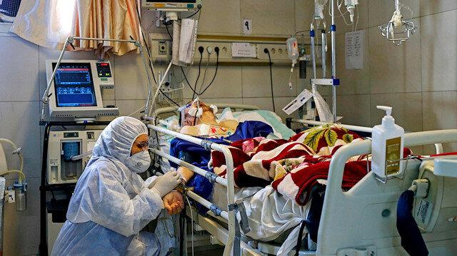 İran'da 17 üst düzey isim koronavirüse mağlup oldu
