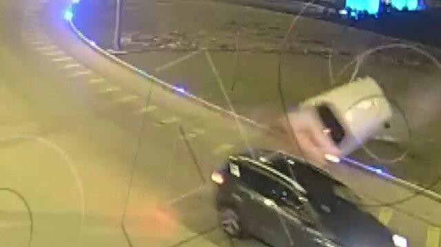 Minibüsün takla attığı kaza, mobese kamerasında
